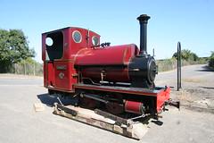 4 (Hampton & Kempton Waterworks Railway.) Tags: darent arrives loop