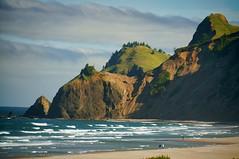 headlands (rovingmagpie) Tags: oregon roadsend roadsendbeach headlands clouds beach ocean waves touregon summer2016