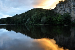 La Dordogne au crpuscule . (Dubus Laurent) Tags: street sunset orange sun house france flower reflection tree green home nature water yellow architecture jaune sunrise river french landscape soleil nikon eau europe tomb jardin lot dordogne vert rivire reflet ciel ruelle martel miroir paysage maison rue arbre glise miror verdure coucherdesoleil falaises tombe cimetery fleuve cimetire perigord midipyrnes d90 freur corze gluges