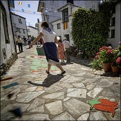 Barrio de San Sebastin. TAPIA DE CASARIEGO. ASTURIAS (Germn Yanes) Tags: espaa puerto spain fiesta asturias el carmen carmentapiamuellepuerto