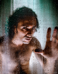 Shower guy (Gimo Nasiff) Tags: portrait guy by self shower artistic guillermo led lamps 550ex 2470mm speedlite nasiff