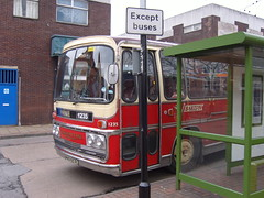 barton 1235 at beeston bus station (old barton coaches) Tags: barton bartontransport rvo657l