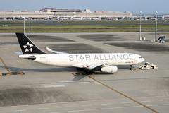 B-6091 Haneda 23/10/15 (Andy Vass Aviation) Tags: haneda a330 airchina b6091 staralliance