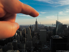 Empire State Building Cheesy Pointing Tourist Pic, Manhattan (Alloa2013) Tags: cheesey empirestatebuilding newyork topoftherock manhattan manhattanskyline hand finger cheesy point handofgod
