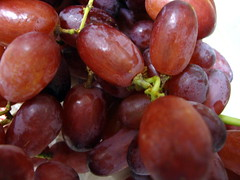Bunch Of Grapes. (dccradio) Tags: lumberton nc northcarolina robesoncounty fruit bunch grapes seedless purple red