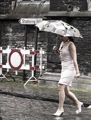 belgen10 (sindala) Tags: man person belgie streetphotography mens series desaturated gent poeple blablabla mensen colorfulpeople straatfotografie hintofcolor