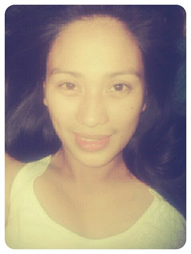 Ako --- at ang bilugan kong mukha! Haha, will be sleeping early tonight ;)