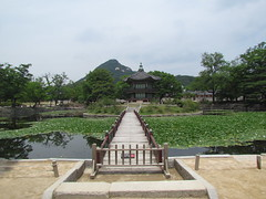 Hyangwonjeon at Gyeongbokgung Palace -- Seoul, South Korea, July 2, 2012 (baseballoogie) Tags: palace seoul southkorea gyeongbokgung gyeongbokgungpalace 070212 canonpowershotsx30is baseball12