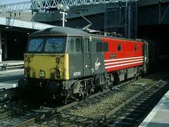 87010-LN-19032005-2 (RailwayScene) Tags: london virgin euston kingarthur class87 87010