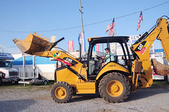 At the event site (faungg's photos) Tags: travel people usa us al south alabama documentary scene southern event american 旅游 journalistic forklift dauphinisland 美国 南方 constructional fishingrodeo newsstyle 人文纪实 deepseafihingrodeo 深海钓鱼比赛 deepseafishingrodeo2012 铲车