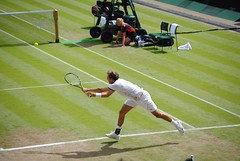 Roger Federer v Julien Benneteau - Stretching for the return (zawtowers) Tags: france london girl ball court switzerland julien centre watching games tennis return round second match olympic roger olympics legend wimbledon stretching federer 2012 serve london2012 benneteau