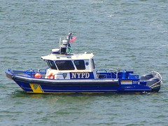 NYPD, Harbor Unit, Boat 351 (tom_hoboken) Tags: boat nypd eastriver launch harborunit newyorkcitypolicedepartment harborpatrol