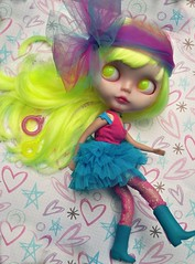 Jump Back to the 80's (Lawdeda ) Tags: she two haircut color crazy doll factory ode with blind bright you painted fake can fluorescent 80s translucent blythe bangs custom tone lids 104 partial rbl so lawdeda