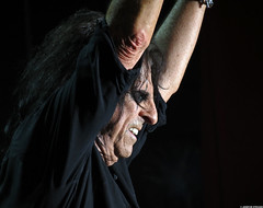 20120808_08 Alice Cooper at Liseberg | Gothenburg, Sweden (ratexla) Tags: show life people musician music man men guy celebrity rock musicians gteborg person concert europe artist tour rockstar sweden earth live famous gothenburg gig performance guys dude entertainment human liseberg artists rockroll horror shock celebrities sverige celebs rocknroll musik dudes scandinavia celeb humans scandinavian konsert 2012 alicecooper goteborg tellus homosapiens organism storascenen photophotospicturepicturesimageimagesfotofotonbildbilder notintheeternityset canonpowershotsx40hs 8aug2012