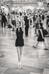 Ballet Dancing at Grand Central IX (Uwe Seiler) Tags: new york usa nikon 18200 d70nikon vrii yorknikon usanikon d7000 vriinikon 20120725 d70nikond7000 usa20120725 usad7000 usausanew