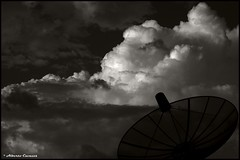 August Clouds (Alberto Cavazos) Tags: ef5018