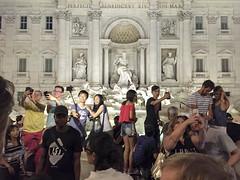 Selfies gallore (David_and_Marilyn_King) Tags: rome 2016 trevifountain fontana night illuminated fontaine selfies