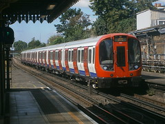 21525 @ Upton Park (ianjpoole) Tags: london underground district line s7 stock 21525 21526 upton park