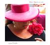 Rimini - PiazzaCavour - 19.8.2016 - Gianni Porcellini (Gianni Porcellini) Tags: donna signora rosa pink rose fiore flower cappello orecchino perla rossetto dito