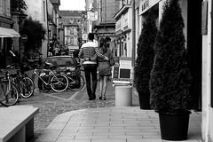 Balade romantique (Bluefab) Tags: marinire balade rue sapin banc velos romantisme pavs normandie couple amour france madeinfrance crperie