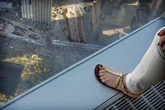 the footprint (gsusce) Tags: gsusce jesscaas nyc ny manhattan one wtc mirador pie pierna mujer torresgemelas leg foot woman twintowers observatory sandalia sandal feet
