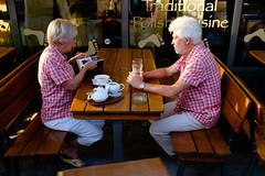 20160908-jacekszust.jpg (Jacek Szust) Tags: wroclaw breslau germans tourists jacekszust streetphotography couple