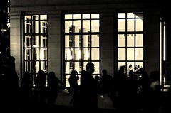 (photo.po) Tags: abstracts nightlights tourists people night nightphotography silhouettes