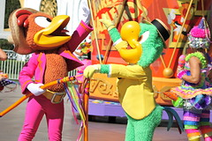Panchito and Jose-Soundsational (snow1937white) Tags: disneyland parade disneylandresort josecarioca facecharacter panchitopistoles furcharacter mickeyssoundsationalparade
