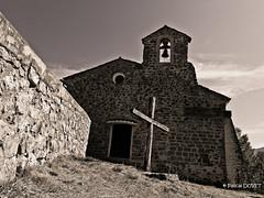 Chapelle à Chateaufort 04 ... (Pascal Duvet) Tags: bw white black alpes noir noiretblanc 04 provence pascal paysage blanc chapelle duvet haute chateaufort