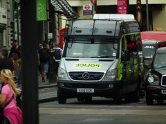 Sussex Police Sprinter POV (kenjonbro) Tags: uk england london westminster silver trafalgarsquare mercedesbenz charingcross 2012 sw1 sprinter superzoom sussexpolice kenjonbro fujifilmfinepixhs10 gx12egk