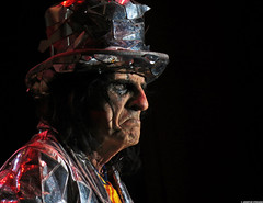 20120808_41 Alice Cooper at Liseberg | Gothenburg, Sweden (ratexla) Tags: show life people musician music man men guy celebrity rock musicians gteborg person concert europe artist tour rockstar sweden earth live famous gothenburg gig performance guys dude entertainment human liseberg artists rockroll horror shock celebrities sverige celebs rocknroll musik dudes scandinavia celeb humans scandinavian konsert 2012 alicecooper goteborg tellus homosapiens organism storascenen photophotospicturepicturesimageimagesfotofotonbildbilder notintheeternityset canonpowershotsx40hs 8aug2012