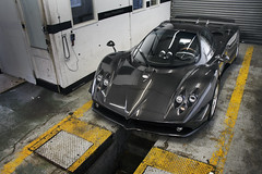 That Carbon. (Alex Penfold) Tags: auto camera cars alex sports car sport mobile canon photography eos photo cool flickr image awesome flash picture super spot exotic photograph f spotted hyper carbon supercar spotting exotica sportscar zonda 2012 sportscars supercars roadster fibre pagani penfold spotter hypercar 60d hypercars alexpenfold supervettura