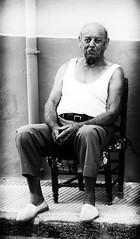 joaquin botifarra (Pere Sala) Tags: valencia marina blackwhite sala alta pere blanc carrer negre pais teulada raval estiu persones