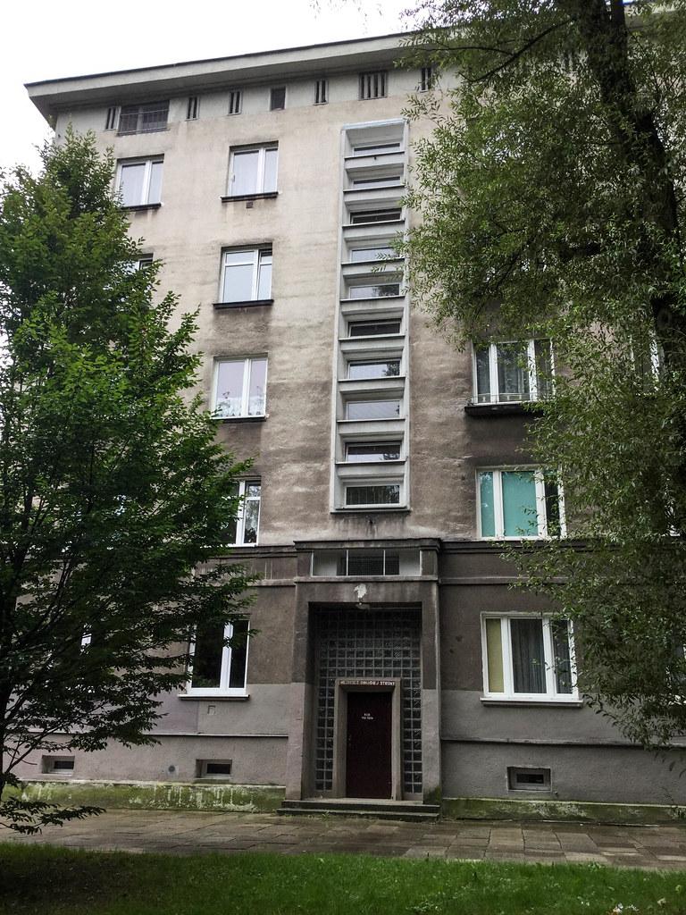 Nova Huta: Krakow's Stalinist 'Workers' Paradise' - Andrea Gibbons