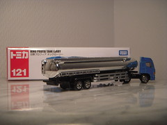 Hino Profia Tank Lorry Diecast by Tomica (PaulBusuego) Tags: hino truck gasoline oil tanker semi tractor profia cabover japan japanese long tomica semitrailer 18 wheeler tomy takara diecast scale model toy car jdm domestic market 164 made vietnam plastic metal miniature