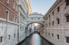 El Puente de los Suspiros (Txeny4) Tags: venecia italia puente de los suspiros largaexposicion haida nisi canon 70d