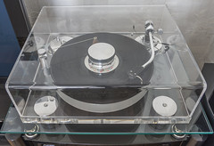 Transrotor Leonardo 25-40 Turntable With SME 3009 Tonearm And Goldring Eroica LX MC Cartridge (AudioClassic) Tags: audiophile cartridge germany goldringeroicalx hifi highend mccartridge record sme sme3009 tonearm transrotorleonardo2540 turntable vinyl album arm audio close closeup detail details disc disk entertainment equipment fashioned gramophone groove grooves jockey label listen lp macro music musical needle old phonograph pickup platter play player red retro rpm sound spin