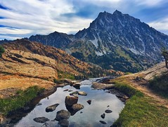 Mt. Stuart (Stephanie Meshke) Tags: alpinelakeswilderness washington wenatcheenationalforest pnw hiking mtstuart lakeingalls river creek