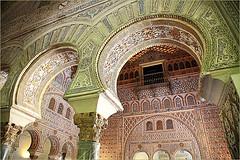 Dans l'Alcazar, Sevilla, Andalucia, Espana (claude lina) Tags: claudelina espana spain espagne andalucia andalousie sevilla sville architecture town ville city alcazar alcazarsevilla