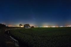 NOCHE EN EL P.N. DE LA ALBUFERA (Der_Golem_) Tags: flash 2016 ojodepez abandonada cielo linterna vialactea vacaciones nocturna largaexposicion ciudaddelaartes contaminacionluminica verano valencia