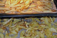 Pommes Frites mit Corn Flakes auf Backblechen (borntobewild1946) Tags: pommesfrites cornflakes pommesfritesmitcornflakes nrw nordrheinwestfalen rheinland niederrhein copyrightbyberndloosborntobewild1946