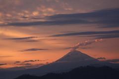Primeras luces (José Lira) Tags: volcán