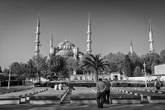 Good Morning Blue Mosque (PhiiiiiiiL) Tags: morning blue bw turkey nikon trkiye istanbul mosque trkei schwarzweiss morgen sultanahmet camii d300 minarett