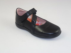 PETASIL at the red shoes (marilla.elliott) Tags: school girls shoes wide narrow fitting experts fitted angulus startrite compagnucci petasil