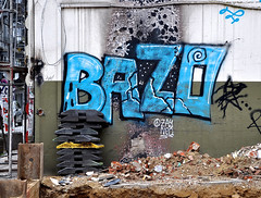 HH-Graffiti 1098 (cmdpirx) Tags: urban streetart art wall writing painting graffiti mural paint artist wand character hamburg can spray crew hh writer hiphop hip hop graff piece aerosol bombing legal wildstyle knstler fatcap strassenkunst