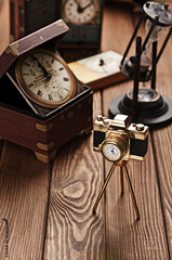 (Fahad Al-Robah) Tags: camera wood old brown time hour masterpiece
