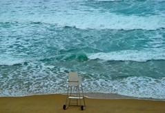AGUA ,,,,,, CALOR ...... CHAPUZN (lupier) Tags: atardecer mar agua playa mabel silla olas vigilante chapuzon lupier