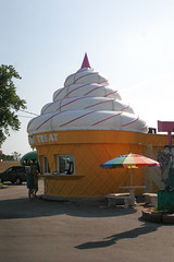Twistee Treat (J.G. Park) Tags: sign illinois rainbow kitsch retro lettering i55 2012 icecreamstand icecreamcone softserve twisteetreat buildingsthatlooklikethings