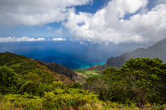Kalalau Valley, Kauai (Steve Flowers) Tags: rain mud hiking kauai kalalauvalley piheatrail nikond7000 nikon1024mmlens sandalswereamistake