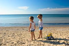 Кто там, что там? (Andrew Pushkar) Tags: sea summer two sky sun beach boys toy nikon ivan son ukraine helios artem d40 koblevo